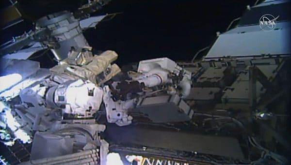 Dua angkasawan wanita NASA catat rekod baharu