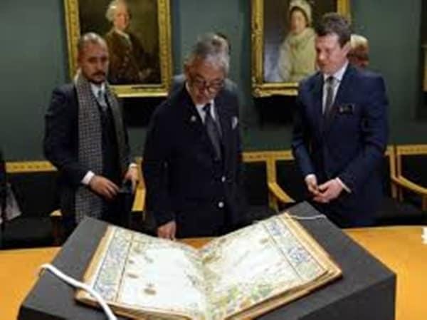Agong lawat Perpustakaan British di UK