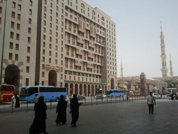 Arab Saudi gantung sementara visa umrah, lawat Masjid Nabawi