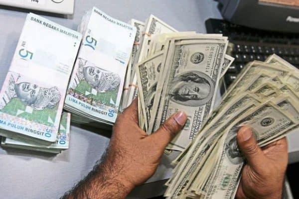 Ringgit terus menyusut berbanding dolar AS