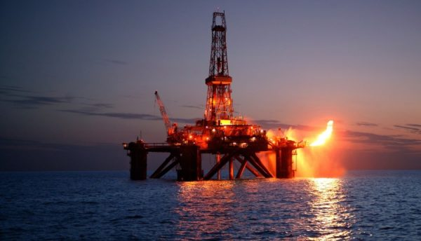 Harga minyak dunia jatuh mendadak