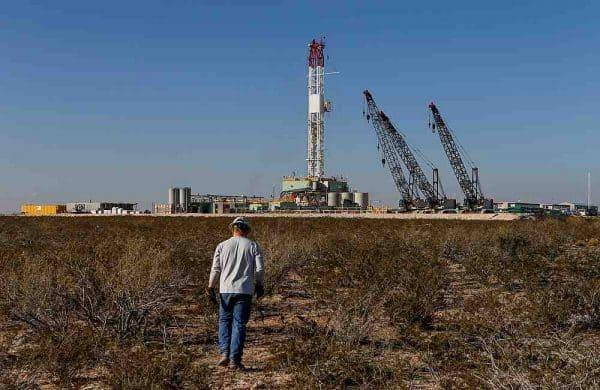 Pengeluar utama bincang kejatuhan harga minyak