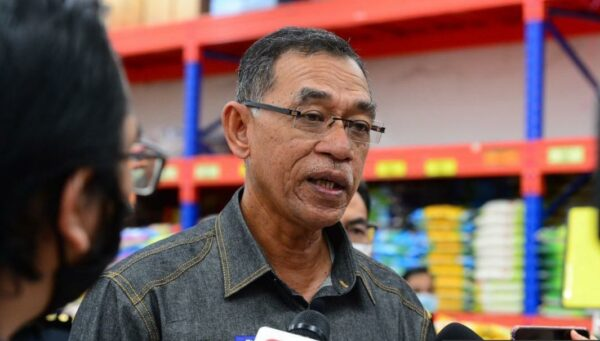 CMCO: KPDNHEP assures sufficient supply of essential items, stable prices