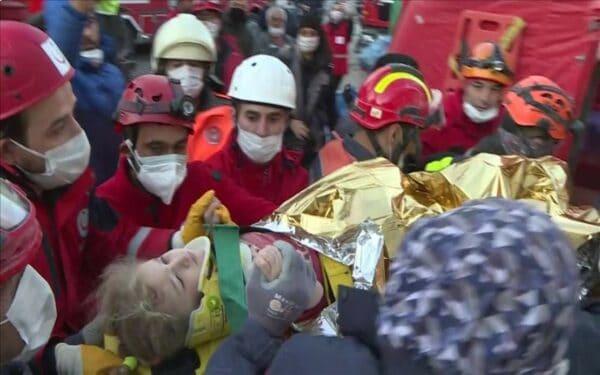 Turki: Kanak-kanak perempuan tiga tahun diselamatkan 65 jam selepas gempa