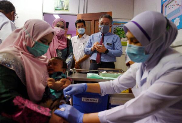 Pemberian vaksin pneumokokal di semua Klinik Kesihatan KKM