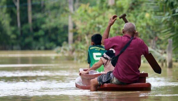 Banjir di selatan Thailand: Hampir 60,000 keluarga terjejas