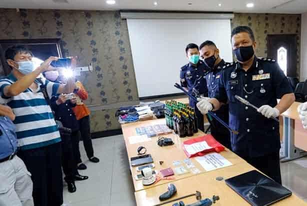 Polis berkas tiga lelaki geng curi duit dobi layan diri