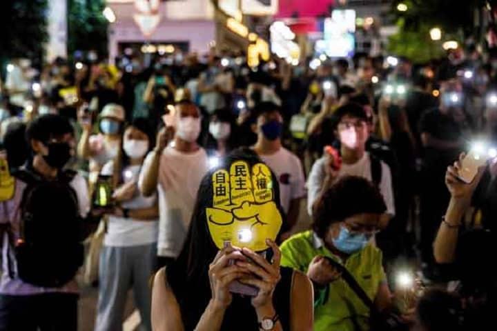 China kecam 'pertunjukan politik yang canggung' di Hong Kong